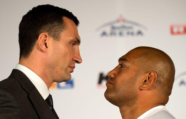 Первая встреча Кличко и Леапаи