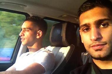 Амир хан и его брат дали отпор