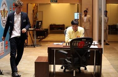 Магнус Карлсен в шаге от звание чемпиона мира по шахматам