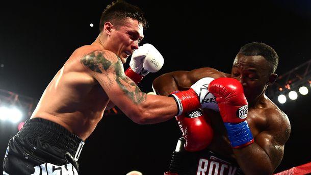 Усик дожал соперника в девятом раунде. Фото AFP