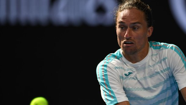 Лучший украинский теннисист проиграл настарте турнира вКито