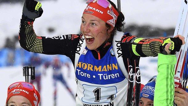 Дальмайер выиграла биатлонный масс-старт вХохфильцене, лучшая изроссиянок— 15-я