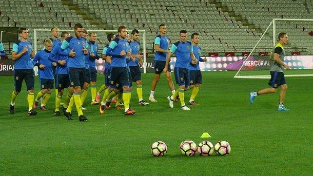 САлбанией сборная Украины весной играть небудет