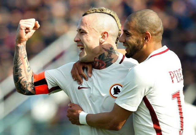 Футболисты «Ромы» обыграли «Кротоне» ивернулись на 2-ое место вчемпионате Италии